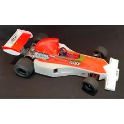 F1-76 body